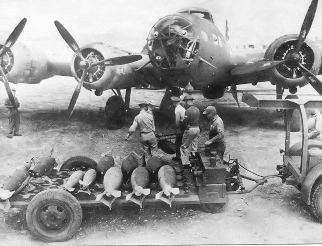 19th_Bomb_Group_B-17D_Flying_Fortress_-_Combat